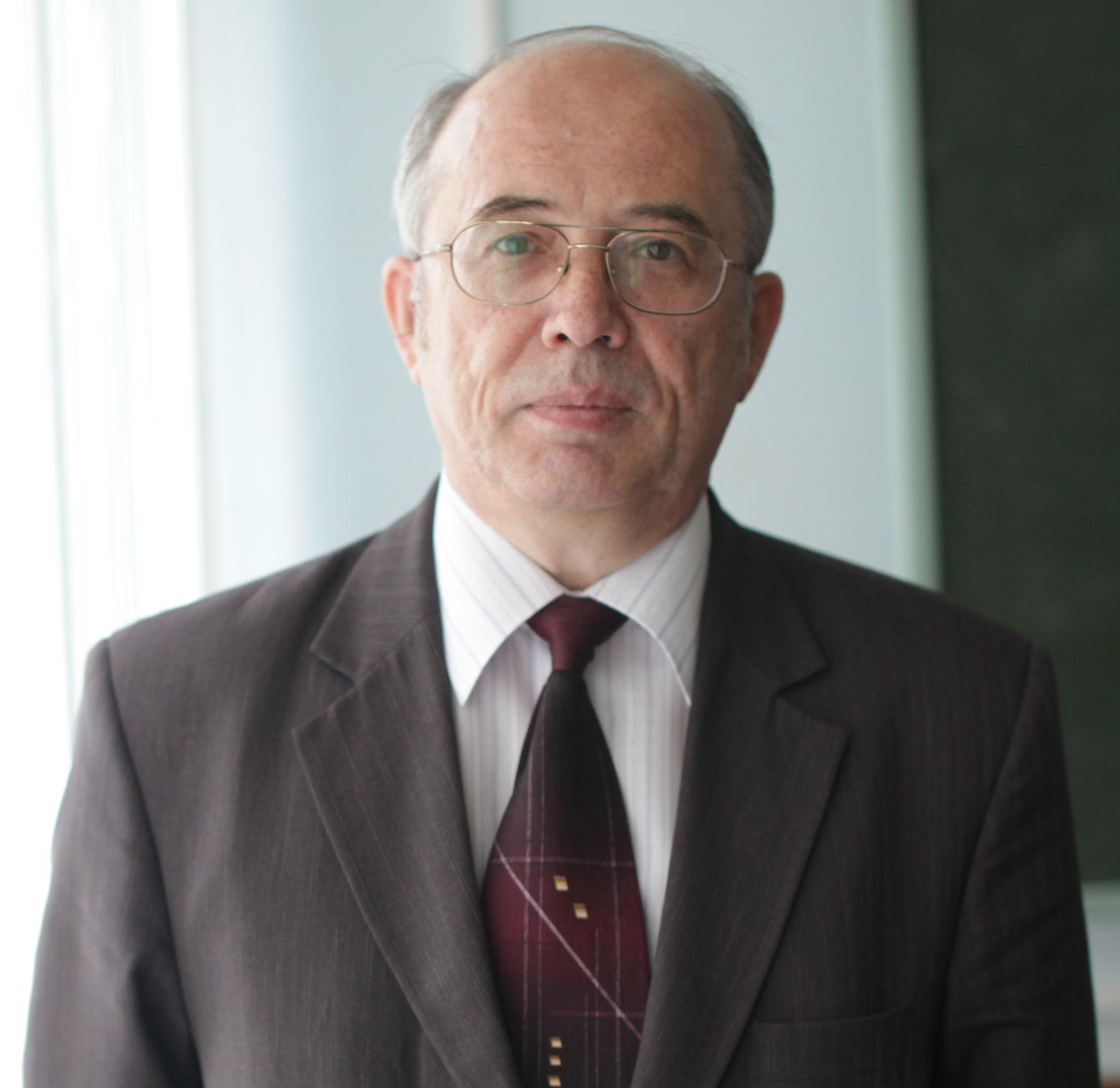 Новоселов Сергей Аркадьевич